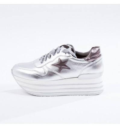 Δίπατα sneaker